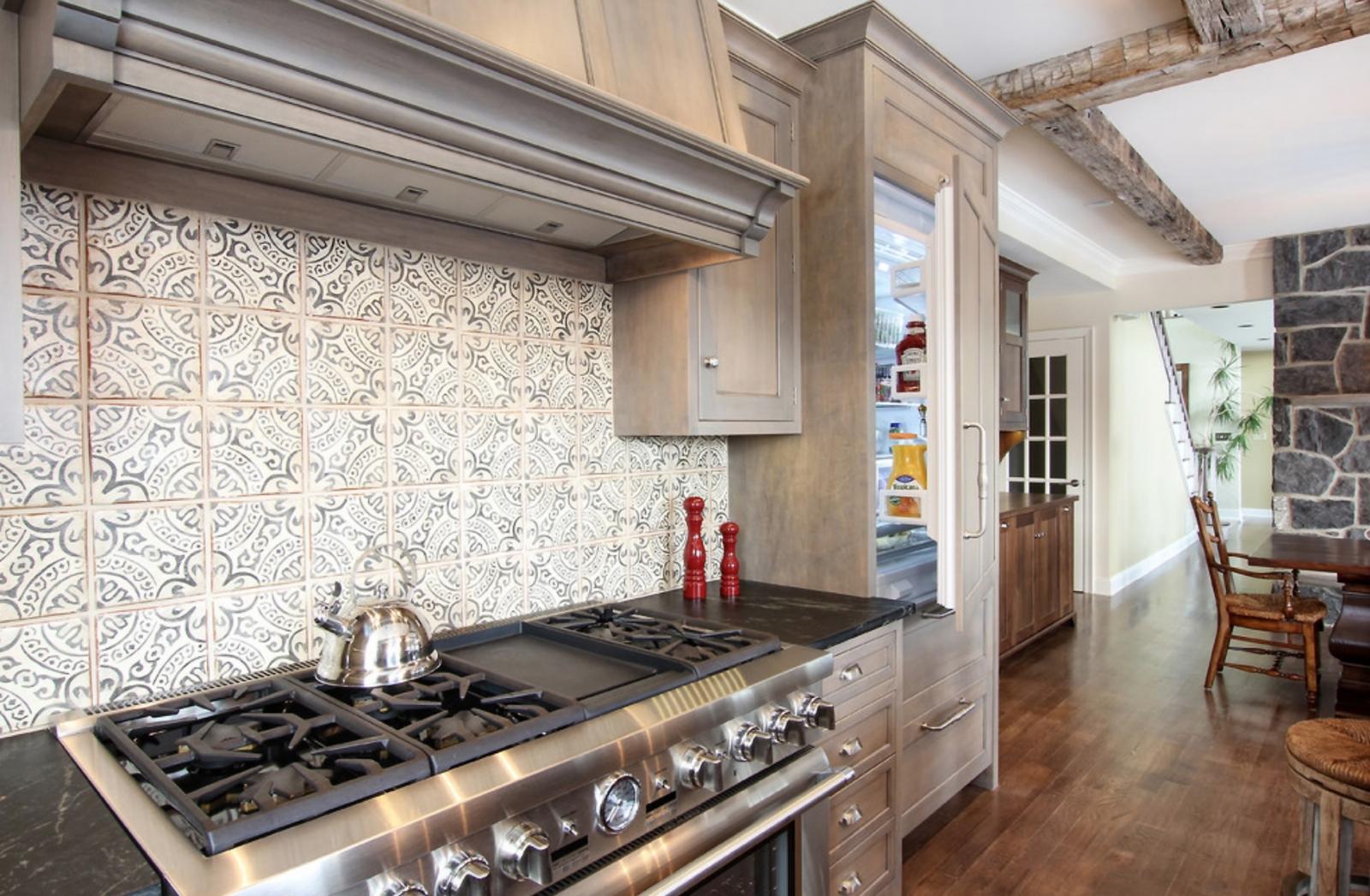 - Tile It On Home Design & Decor